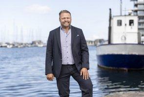 Ola Arvidsson på Arla vid vattnet i Helsingborg. Foto: André de Loisted