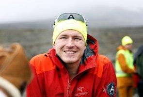 Foto på Aron Andersson på berget Kebnekaise.